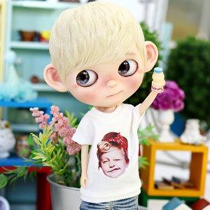 Blythe Cute Girl T shirt - White